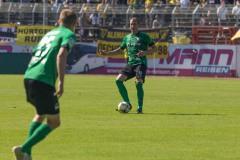 1. Spieltag 2021/2022: Preußen Münster - Alemannia Aachen 2:1. Simon Scherder am Ball.