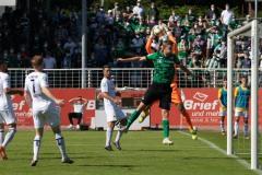 1. Spieltag 2021/2022: Preußen Münster - Alemannia Aachen 2:1. Aachen packt vor Gerrit Wegkamp zu.
