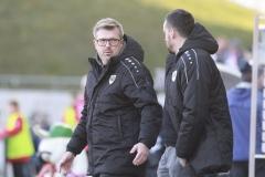 FSV Zwickau gegen Preußen Münster 23.11.2019 Foto: S. Sanders  Trainer Sven Hübscher (Münster) ist ratls, Malte Metzelder auch