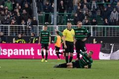 20. Spieltag: Preußen Münster - TSV 1860 München 0:1. Nico Brandenburger am Boden - er hatte sich schon vorher verletzt, musste dann raus.