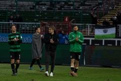 20. Spieltag: Preußen Münster - TSV 1860 München 0:1. Julian Schauerte, Maurice Litka, Fridolin Wagner und Philipp Hoffmann nach Abpfiff (v.l.).