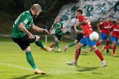 5. Spieltag: Wuppertaler SV - Preußen Münster. Justin Möbius bringt den Ball rein.