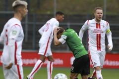 1. FC Köln U21 - Preußen Münster 03.10.2020 Foto: S. Sanders  Julian Schauerte (Münster) vertgibt den Elfmeter