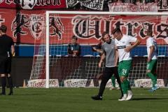 9. Spieltag: Hallescher FC gegen Preußen Münster. Auch Schnellbacher hat was abbekommen.