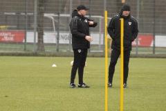 Auftakttraining beim SC Preußen Münster am 4. Januar 2020. Co-Trainer Louis Cordes und Arne Barez (v.l.).